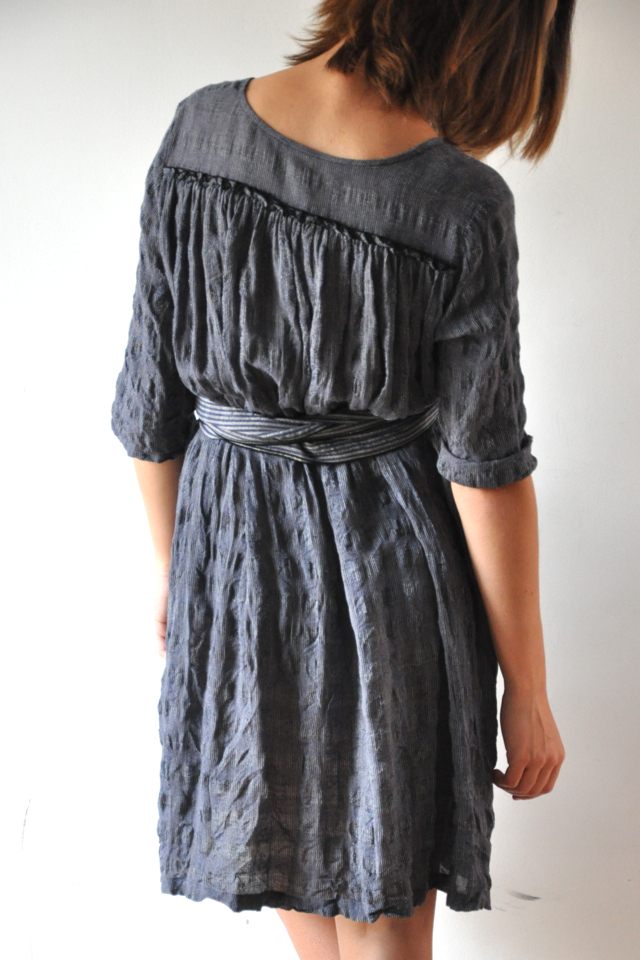Grey dress via-Blog VDC