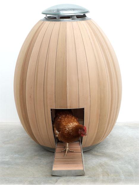 The Nogg:Modern Handcrafted Chicken Coop. Designers:Matthew Hayward and Nadia Turan via-Tuvie