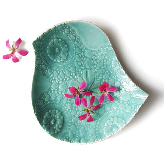 Ceramic plate Large bird plate Seafoam turquoise ceramic pottery bowl Lace texture Modern Retro Decorative Functional Serving Dinnerware, shop Etsy-Prince Design UK