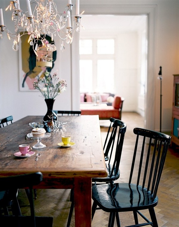 Home in Malmo, Sweden via-Dust Jacket (love this blog!)